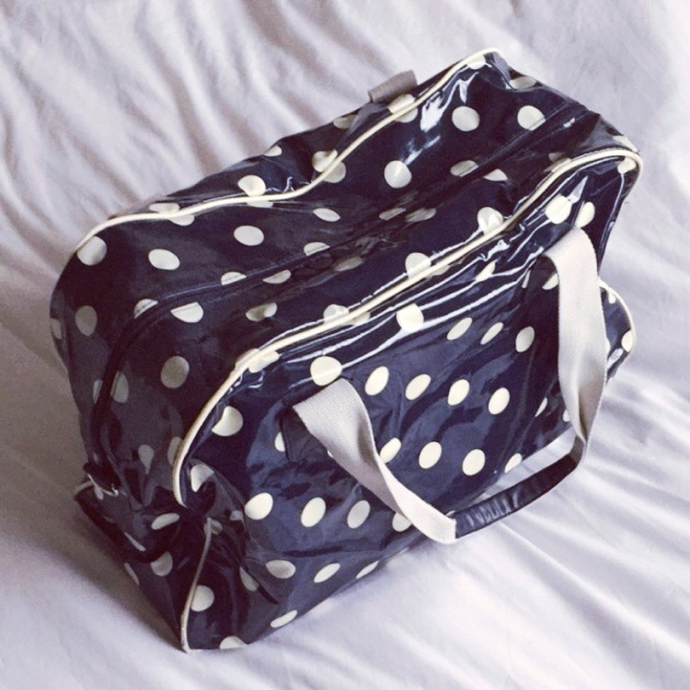 Polka dot weekend bag